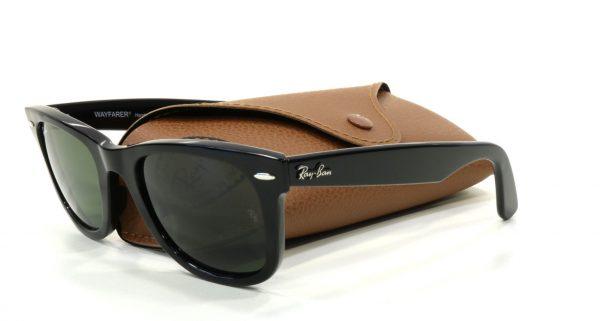 Большой выбор брендовых солнцезащитных очков Ray Ban