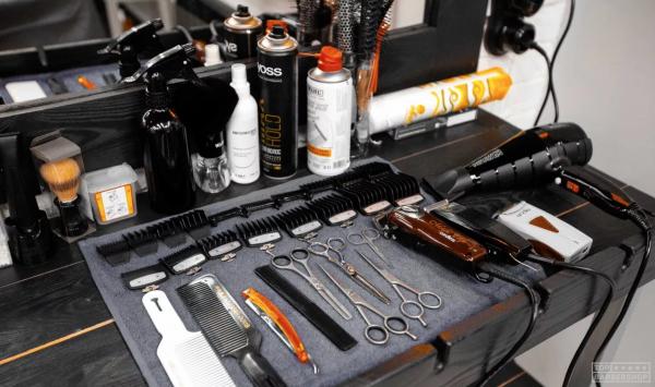 Инструменты и оборудование для барбершопов и парикмахерских